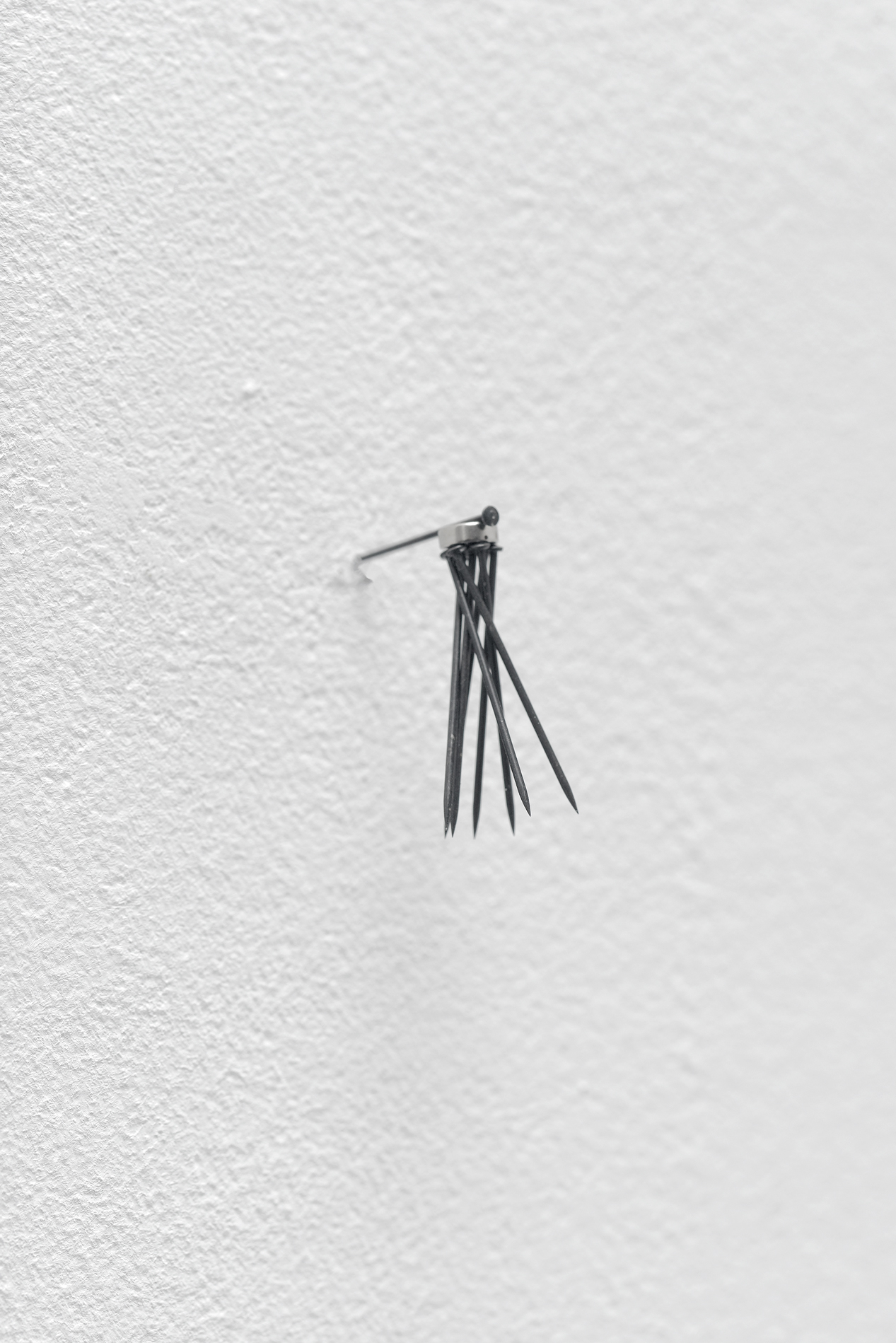 , 2017, Steel pins and magnet, 3,5 x 3 x 2 cm, , unique artwork, Photo: Aurélien Mole, Collection Alexis Jakubowicz, Paris